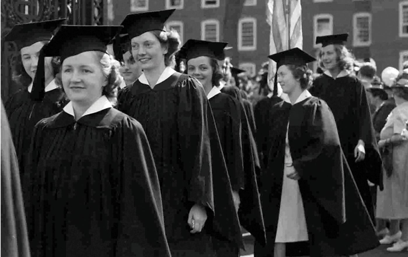 Pembroke grads from 1940.