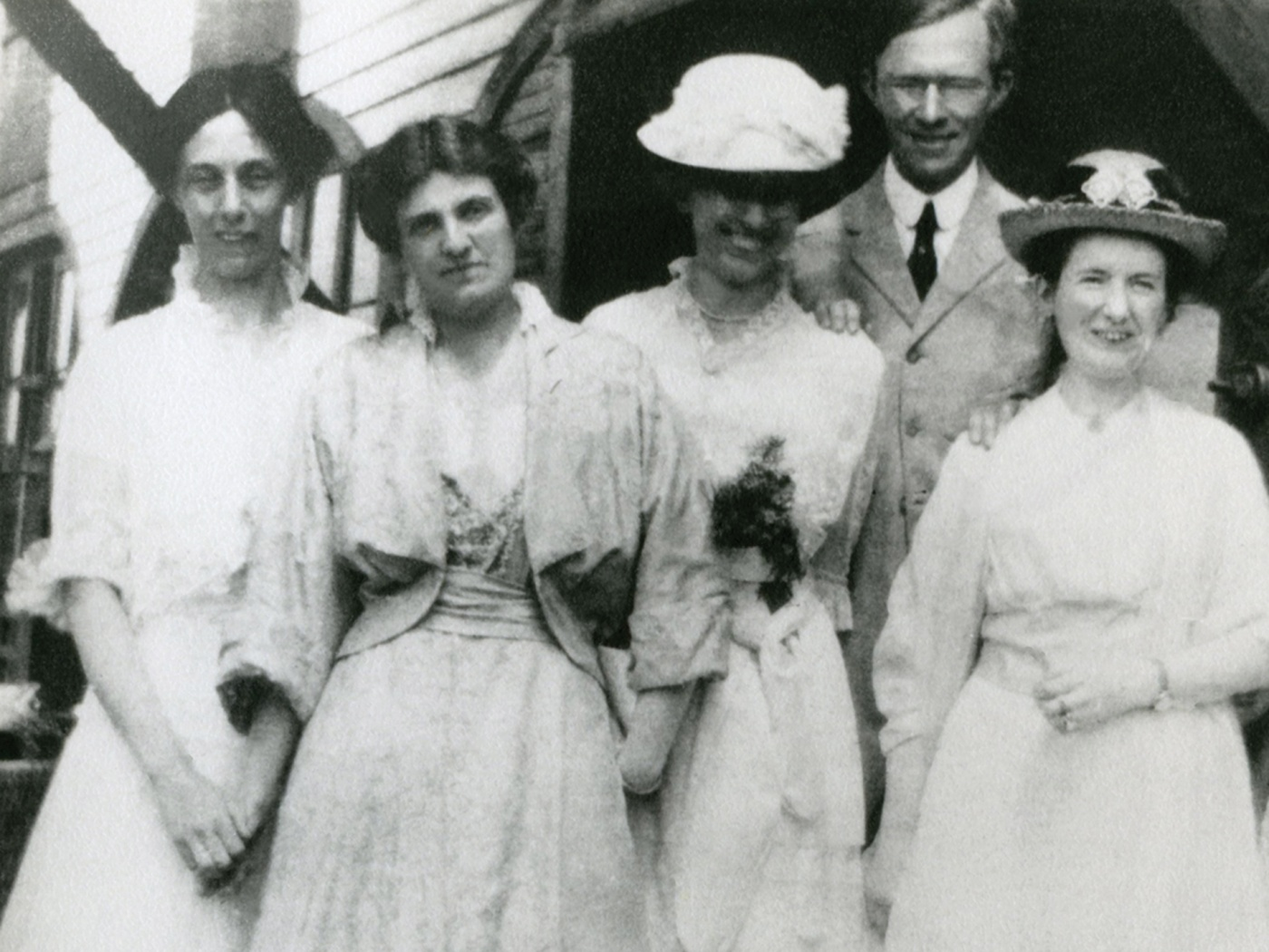 Morriss, second from left, at Mount Holyoke 1915.