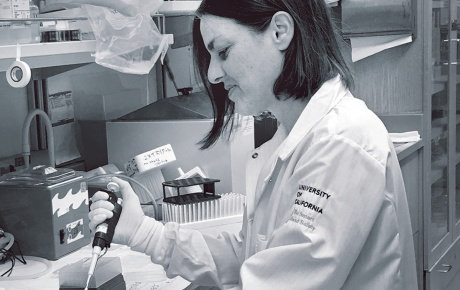Photo of Marlena Schoenberg Fejzo in her lab at UCLA