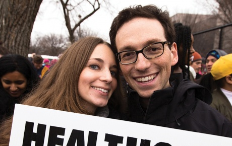 Kira Ganga Kieffer '08 and her husband, Aaron Eisman '08